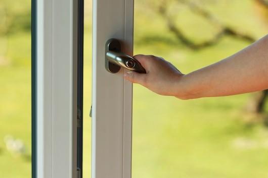 How To Choose The Best Bifold Doors: Homebuilding - Renovating