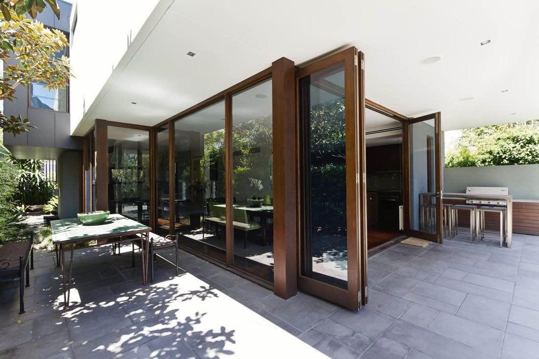 How To Choose The Best BiFold Doors & Patio doors Hardware